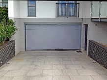 Roller shutter flood door